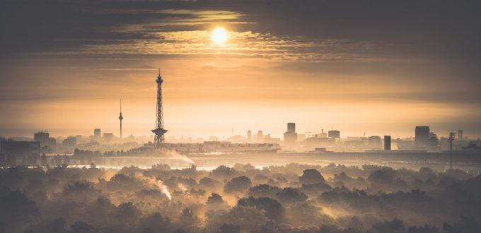 cropped-berlin-nebel1.jpg
